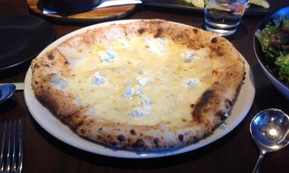 worlds-cheesiest-99-cheese-pizza-3