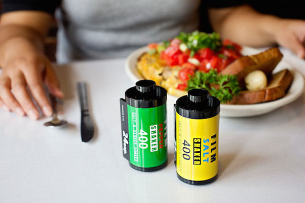 film-roll-salt-and-pepper-shakers-2