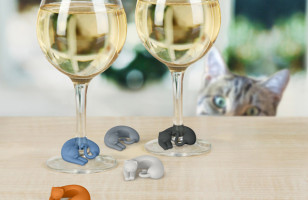 Cat Lady Winos Will Love These Curled-Up Cat Wine Markers