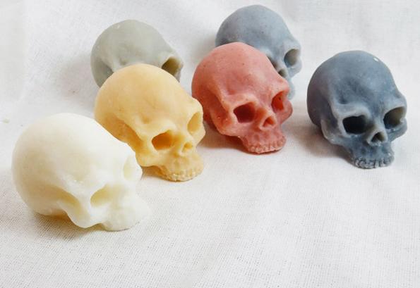skull-shaped-soaps-2
