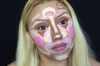 A Makeup Artist Paints Her Face Like A Clown... Then Blends It In & Looks Like A Supermodel