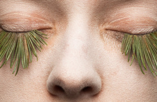 Go Au Naturale With These False Eyelashes Made Out Of Grass