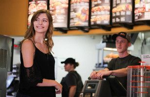 One Awesome Student Took Her Senior Photos At Taco Bell