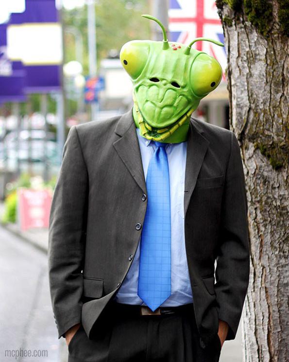 praying-mantis-mask-2
