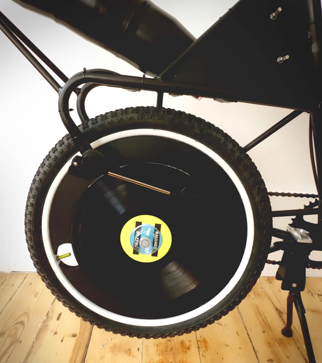 This Record Playing Bicycle Plays Tunes While You Ride