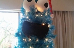 This Cookie Monster Christmas Tree Is Too Funny!