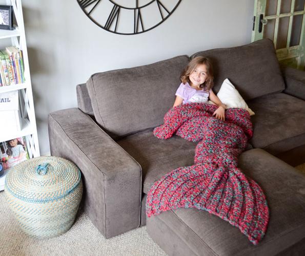 crocheted-mermaid-blanket-3