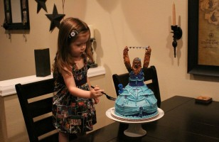 A Princess Chewbacca Cake & More Incredible Links