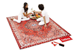 This Picnic Blanket Looks Like An Oriental Rug 'Cause You Fancy