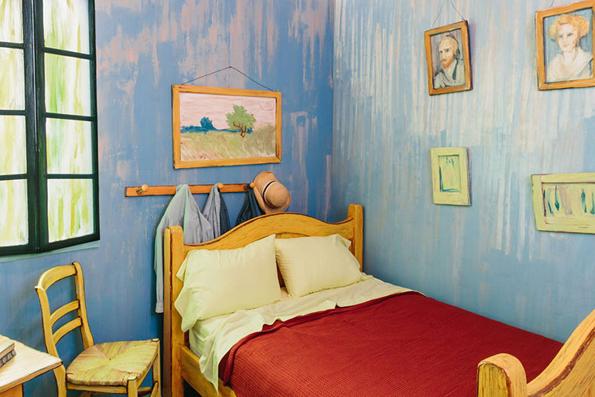 van-gogh-bedroom-irl-4