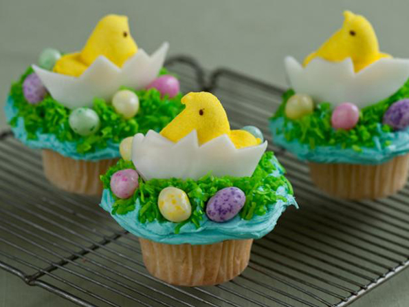 chicken-and-egg-cupcakes