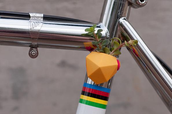 bike-flower-vases-4