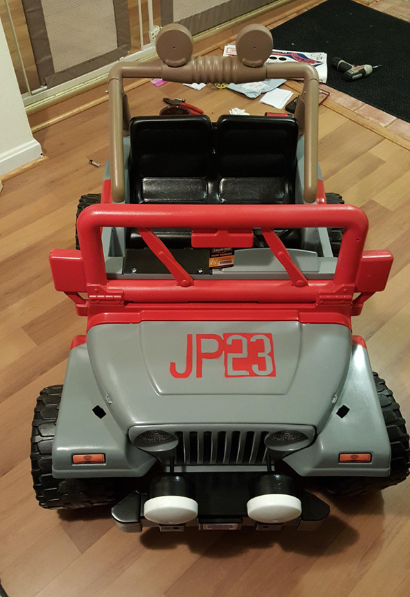 jurassic-park-power-wheels-3