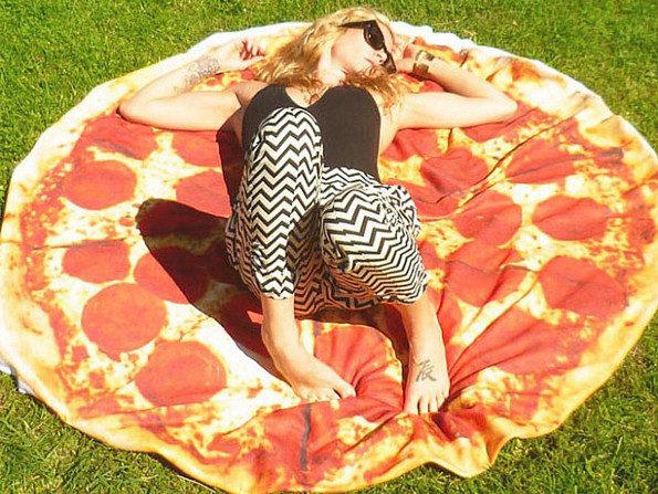 pizza-beach-towel