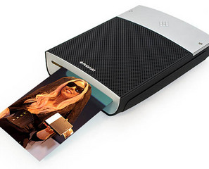 You Don't Have to Shake the Polaroid Instant Mobile Printer