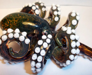 Octo-Pipe: The Cephalopot Glass Pipe