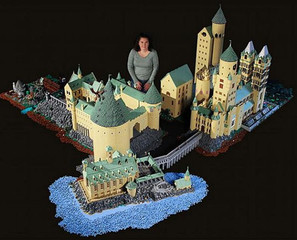 Hogwarts Recreated In LEGO
